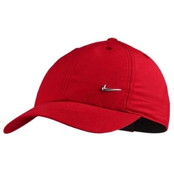 db157e3ad0d Nike Metal Swoosh Hat. M 5b2845e83c98443b104e4c95